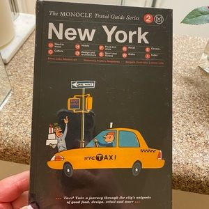 New York City Travel Guide Book